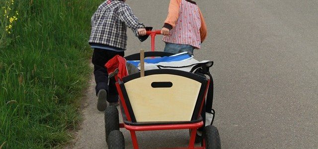 Bollerwagen für die kleinen bei Familienfesten